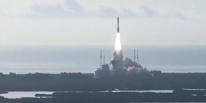 NASA Rover uzay mekiği Mars yolculuğuna başladı