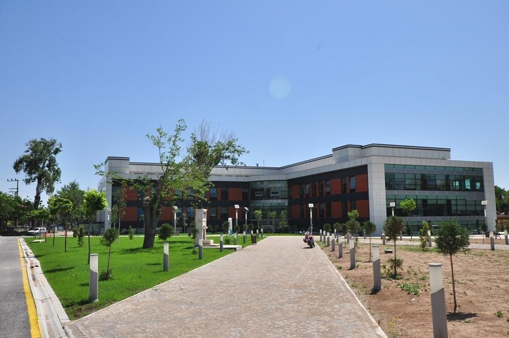 Necmettin Erbakan Üniversitesi Nasıl Bir Yer